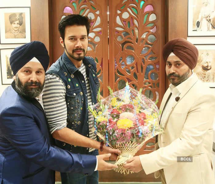 V-Day celebrations at Thukral's Clinic