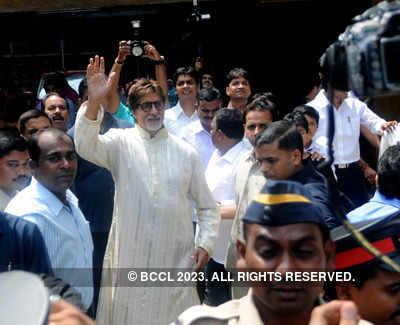 Amitabh Bachchan turns 69