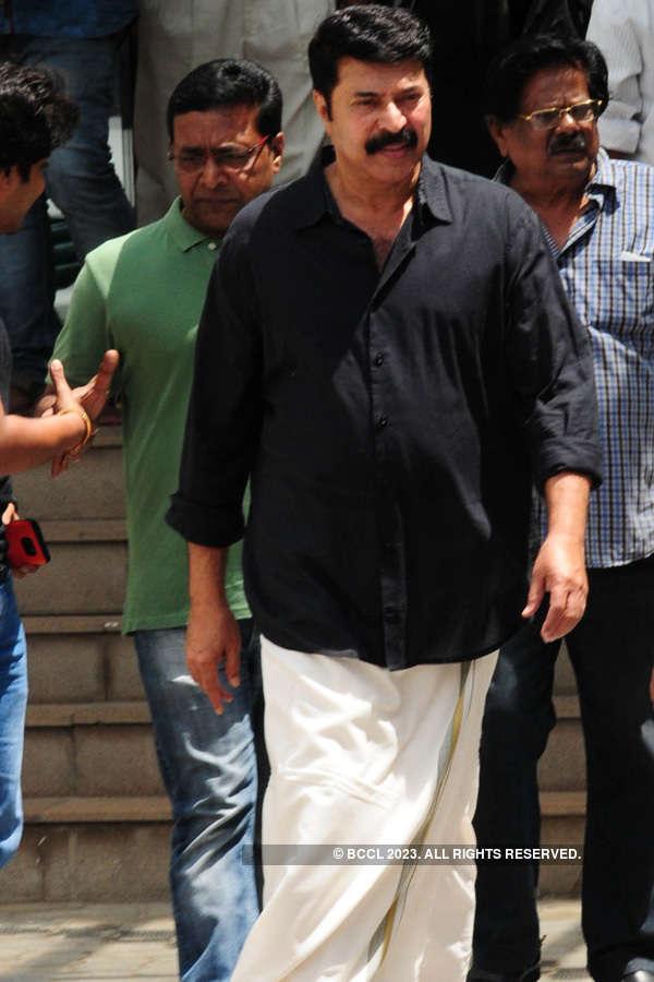 Celebs pay respect to Rajesh Pillai
