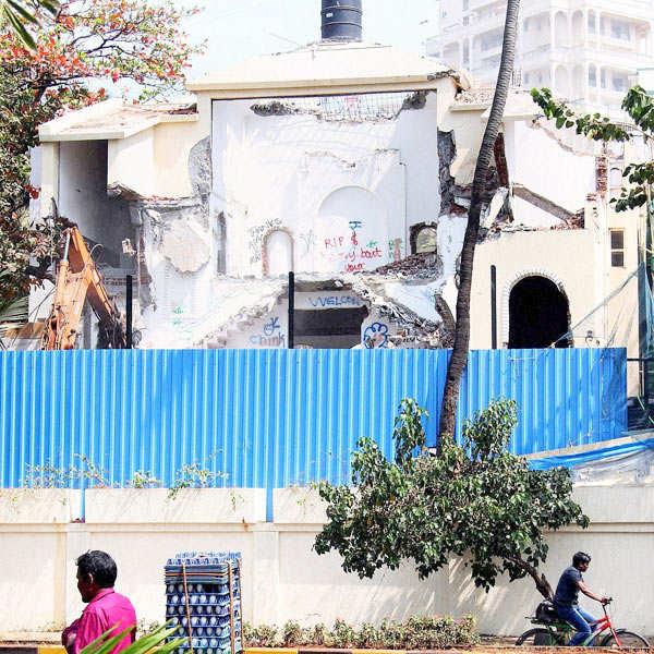Rajesh Khanna's 'Aashirwad' demolished!