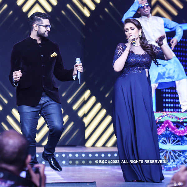 Mirchi Awards '16 – Performances