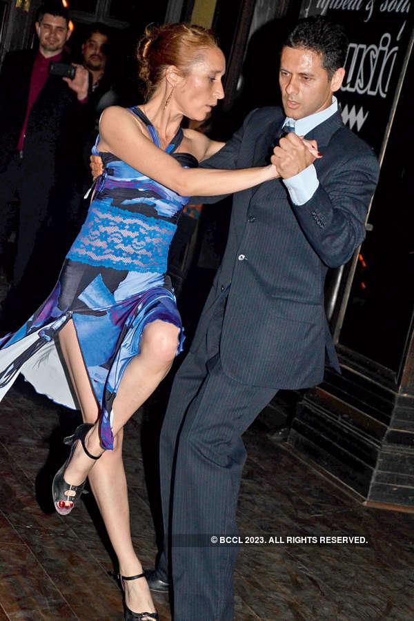 Tango performance at Zai