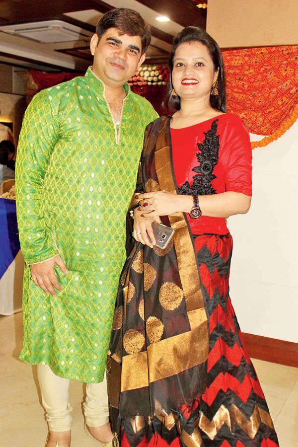 Abhishek, Harshita host party
