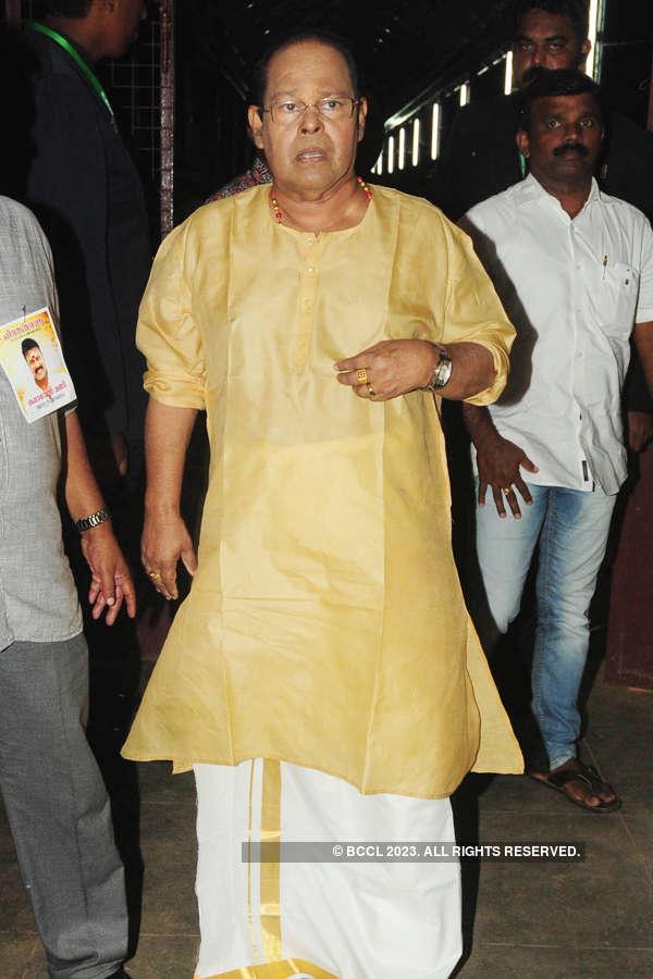 Celebs pay homage to Kalabhavan Mani
