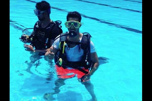 PIC: Varun Dhawan gearing up for underwater stunts