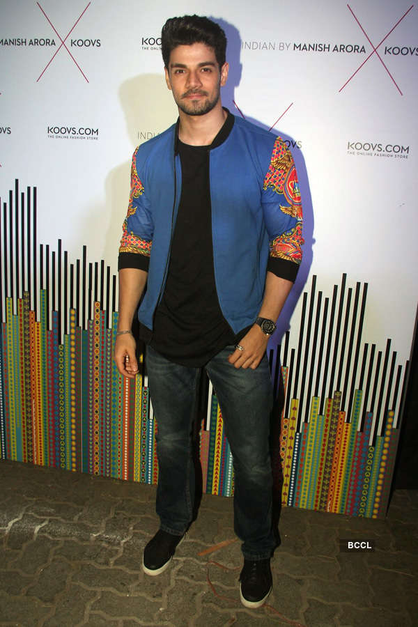 Celebs @ Manish Arora's collection launch