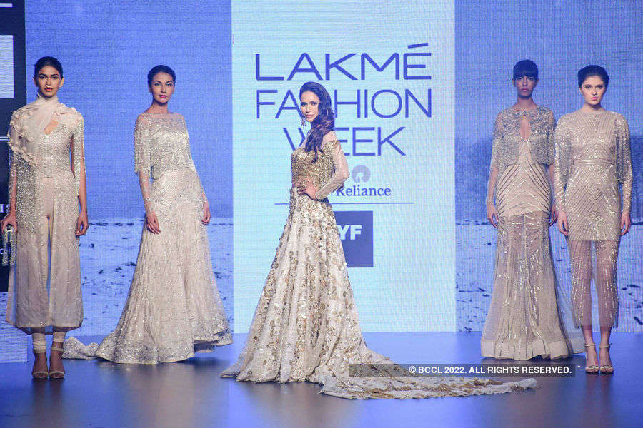 LFW '16 Day 4: Shriya Som