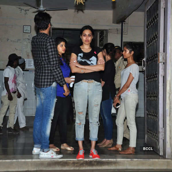 Celebs at Pratyusha Banerjee's funeral