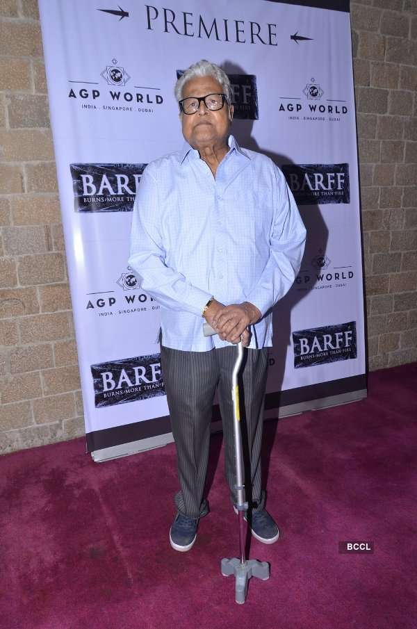 Celebs attend play Barff
