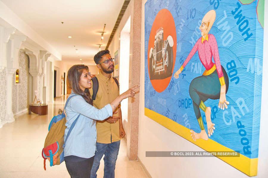 Socialites @ art exhibition
