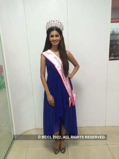 Miss India 2016 1st runner up Sushruthi at INIFD event