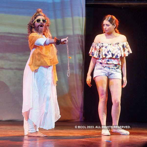 Do Deewane Shehar Mein: A Play
