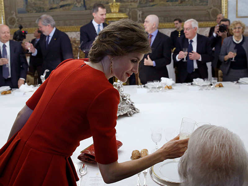 Spanish royals host lunch