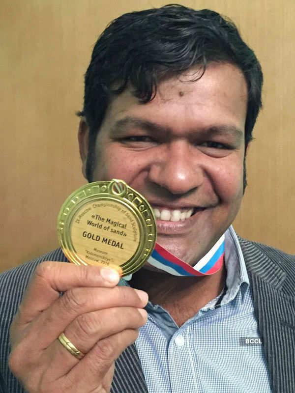 Sudarsan Pattnaik wins gold in sand art contest