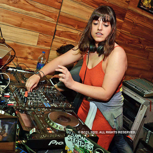 Madam X performs at Raasta