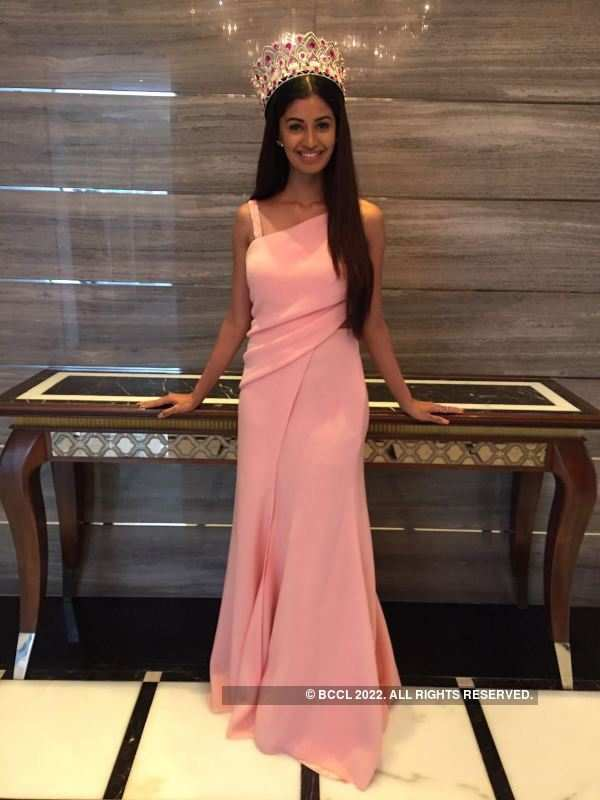 Miss India 2016 winners at FICCI FLO event