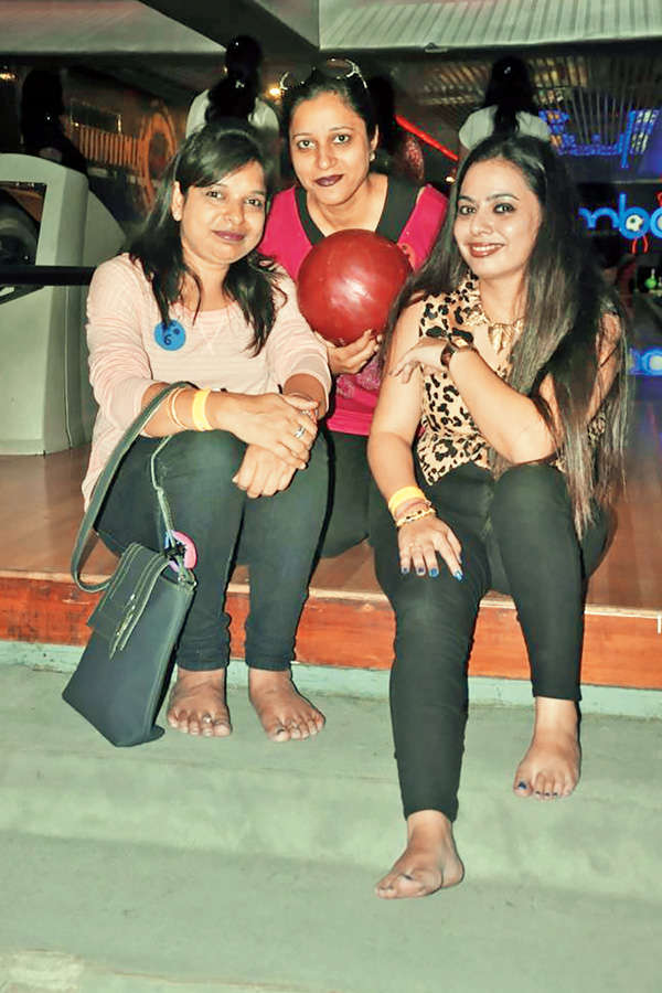 Get-together at gaming zone