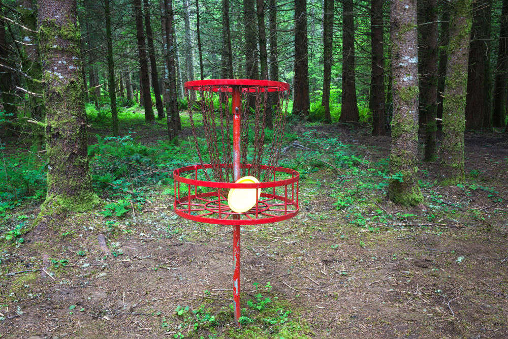 Play a round of Frisbee golf