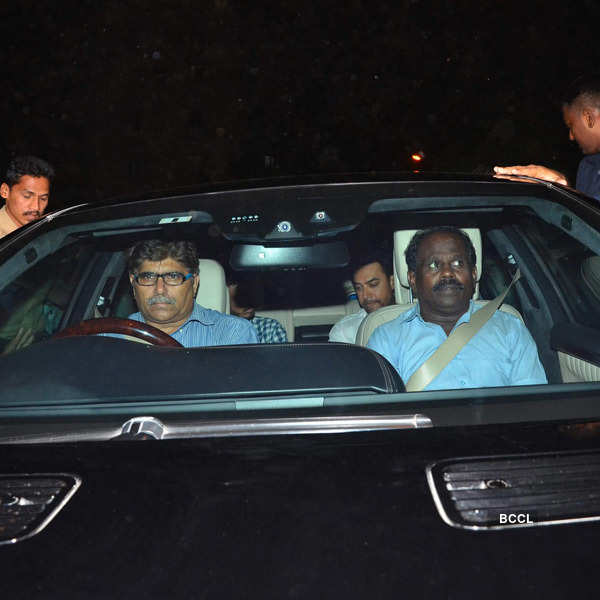SRK's party for Apple CEO