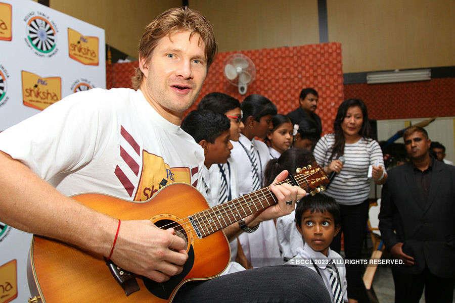 Shane Watson visits Bengaluru