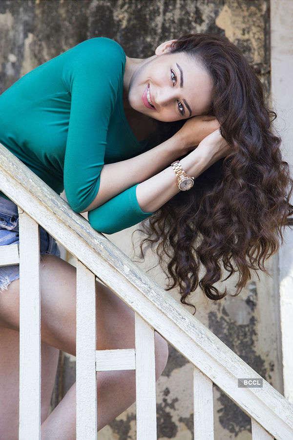 Zoya Afroz to star in a rom-com!