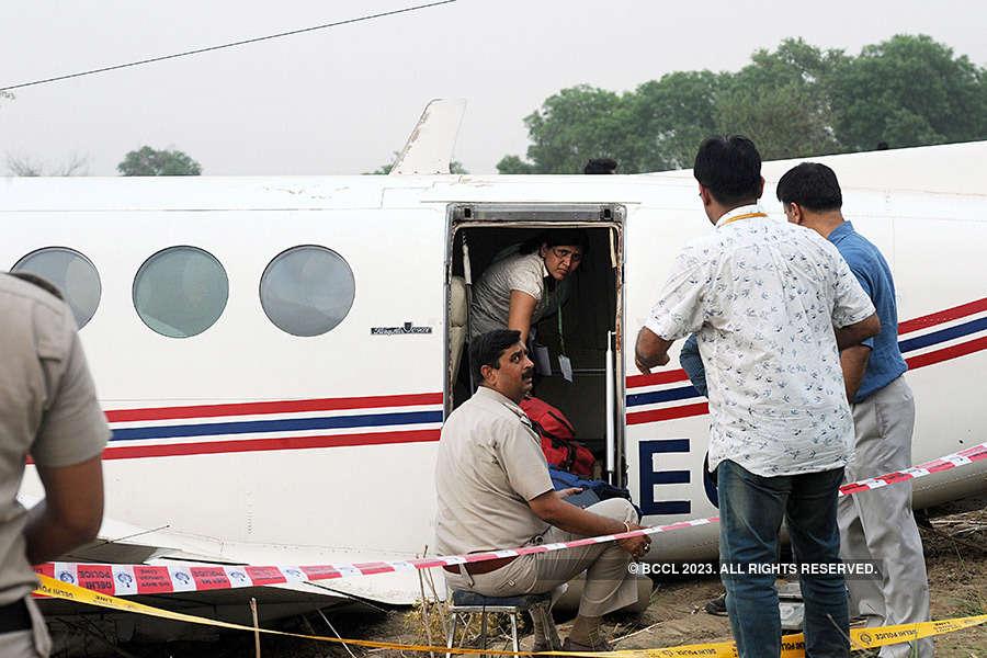 Air ambulance makes emergency landing