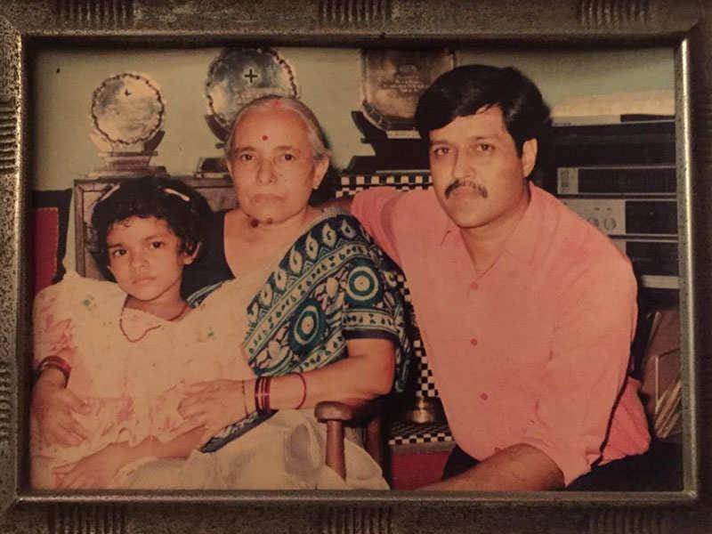 A Young Priyanka Chopra With Her Father And Nani