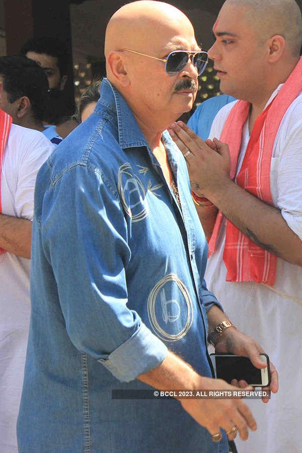 Vikas Mohan's funeral ceremony
