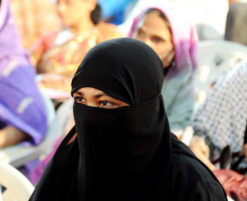 50,000 Muslims sign petition against triple talaq
