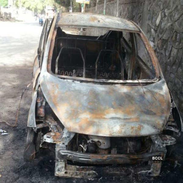 Hardik Patel's car torched in Surat