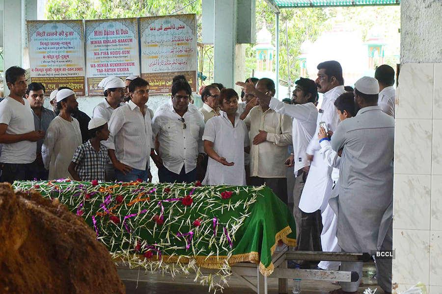 Razak Khan's funeral