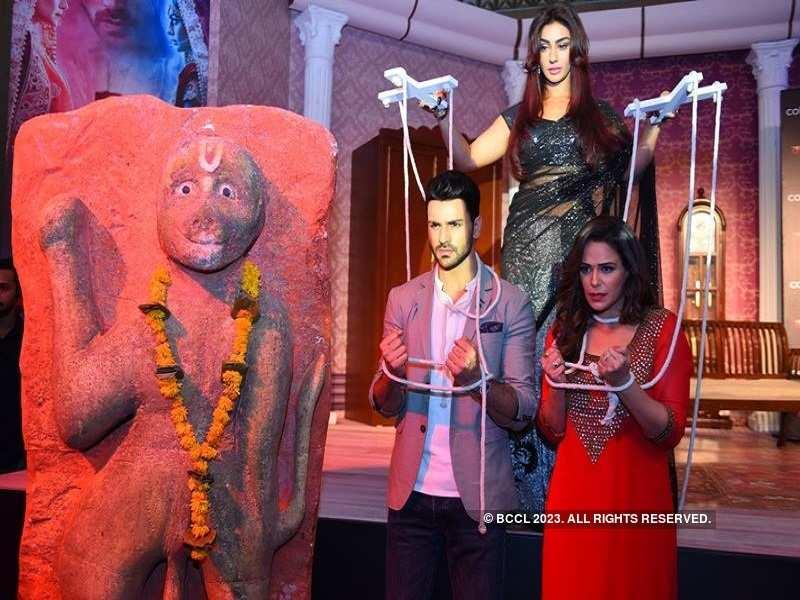Mona Singh, Vivek Dahiya, Maheck Chahal unveil Kawach