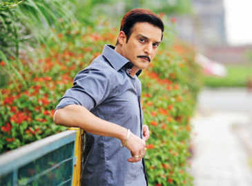 In 'Madaari' playing more mature cop than my other cop characters: Jimmy Sheirgill