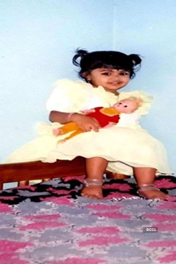 These adorable childhood pictures of Sushruthi Krishna will leave you aww-struck!