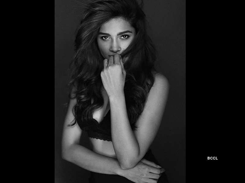 Sushrii Shreya Mishraa's sweltering photoshoot is going Viral!