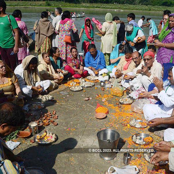 Kashmir celebrates Dashar Maha Kumbh