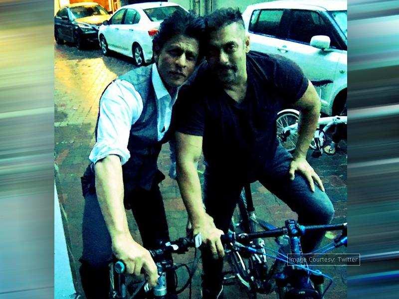 Pic Shah Rukh Khan And Salman Khan S Bhai Bhai Photo
