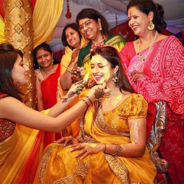 Divyanka Tripathi looks gorgeous