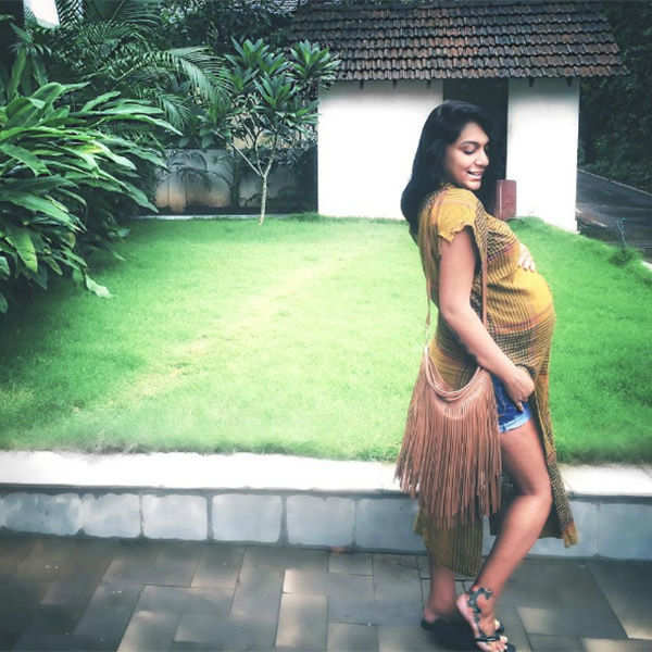 Shweta Salve shared her pregnancy picture