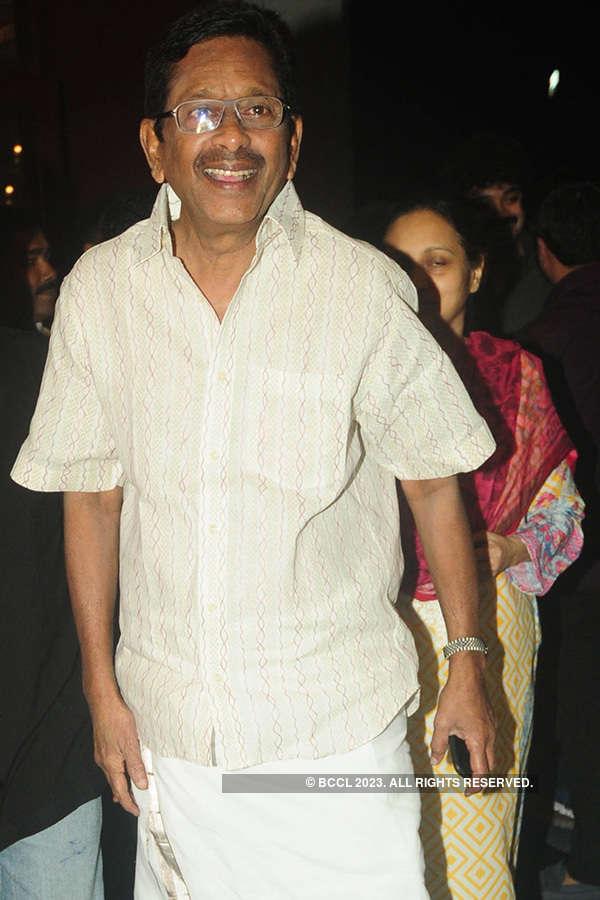 Bhasheerinte Premaleghanam: Muhurat