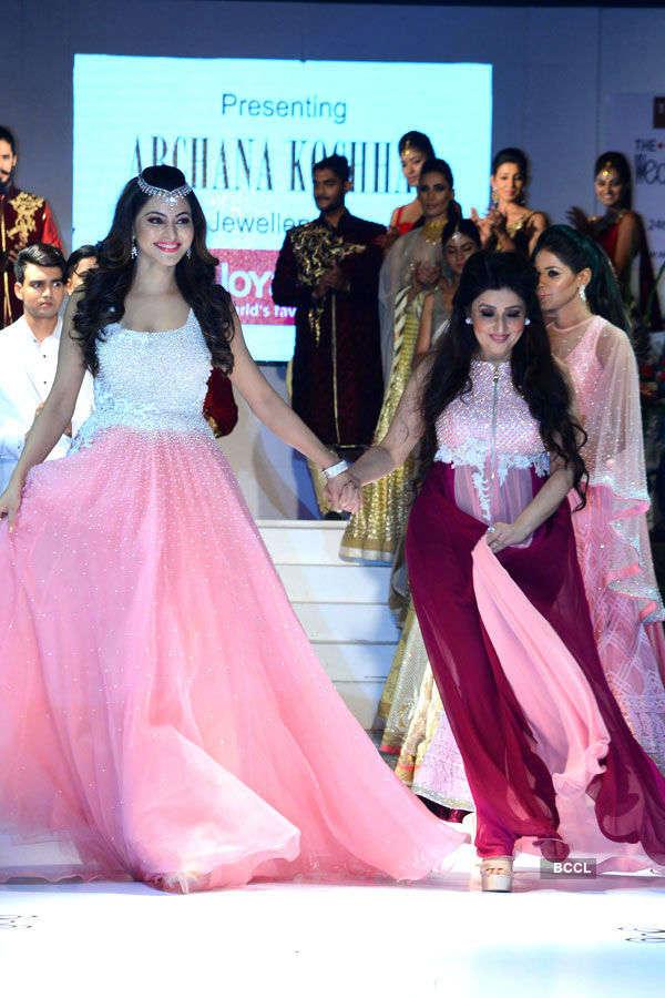 Urvashi walks the ramp