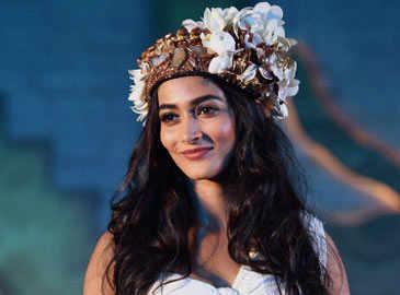 'Mohenjo Daro' actress Pooja Hegde diagnosed with dengue