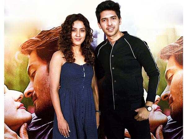 Neeti Mohan and Armaan Malik