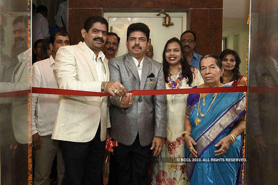 Shiva Salon De Beaute: Launch