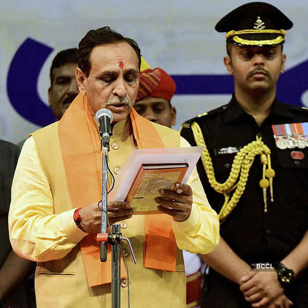Vijay Rupani sworn in as new Gujarat CM