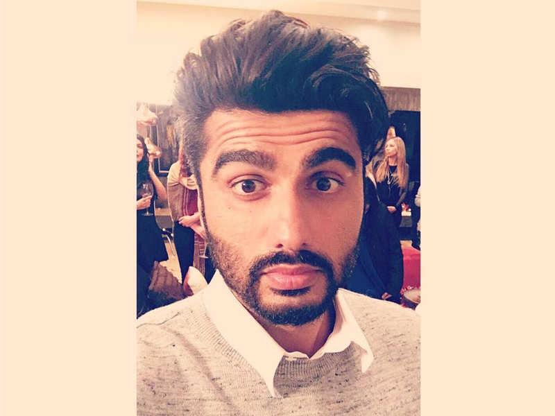 Pic Arjun Kapoors Selfie On The Sets Of Half Girlfriend