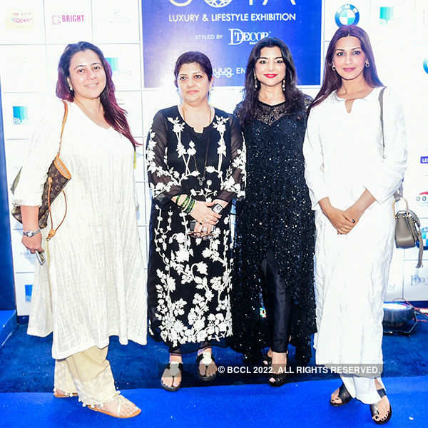 Celebs attend exhibition
