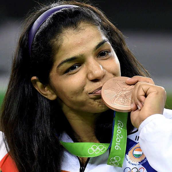 Rio Olympics: Sakshi Malik wins bronze