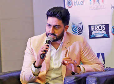 Abhishek Bachchan's befitting reply to a comedian who tried to troll his acting!