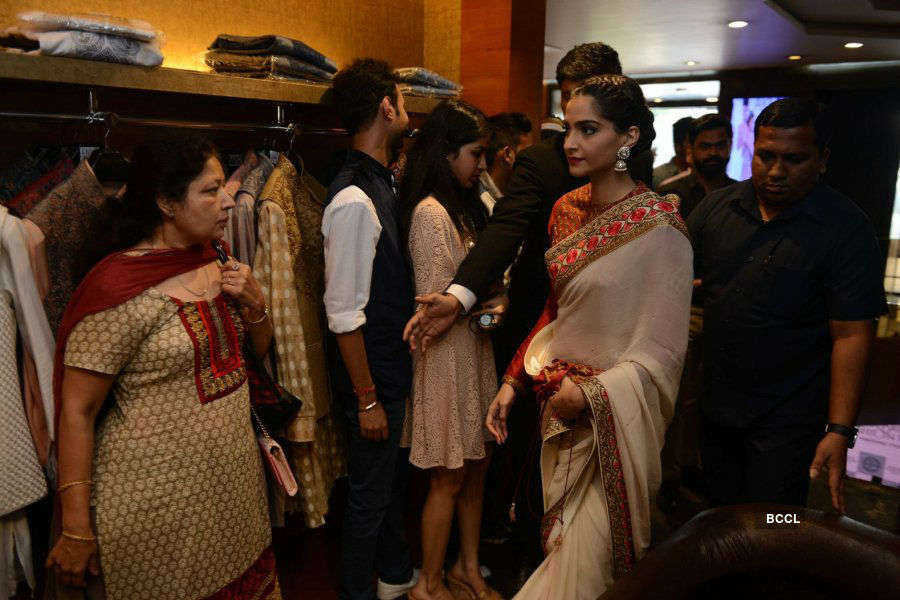 IBFW wedding store: Launch